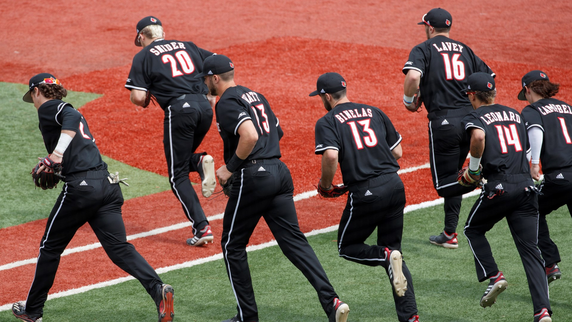 Louisville Baseball Set For Tuesdays Battle Of The Bluegrass